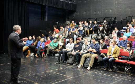 Maclean's Political Editor Engages in Dialogue with Trent Students