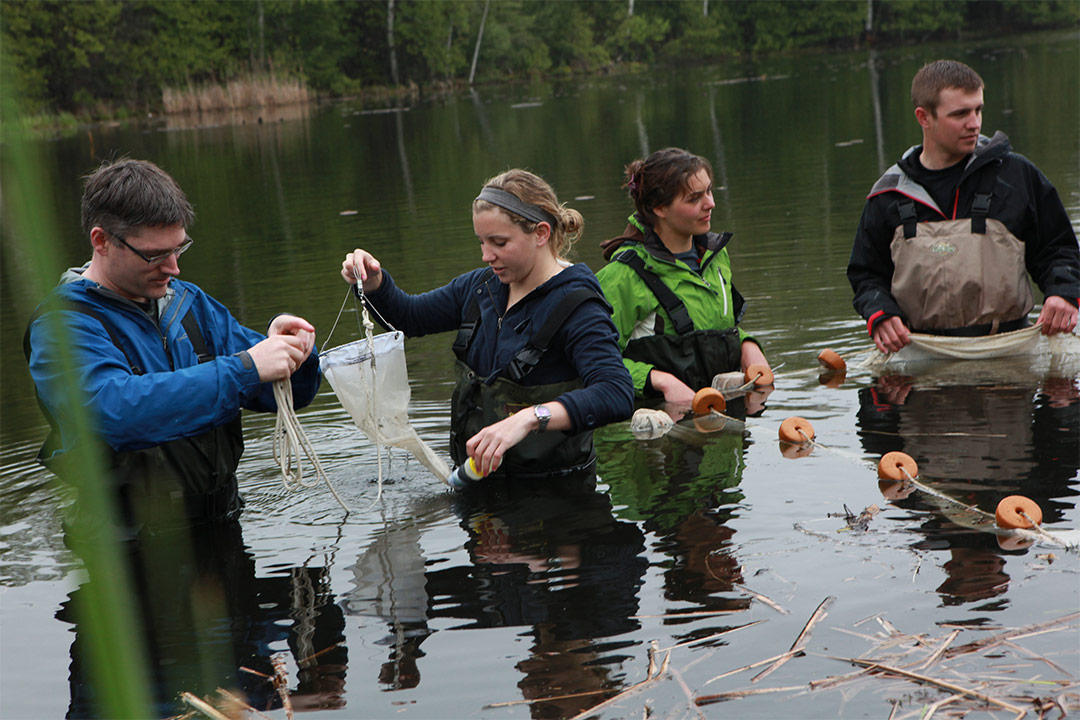 Water Sciences students in Otonabee River