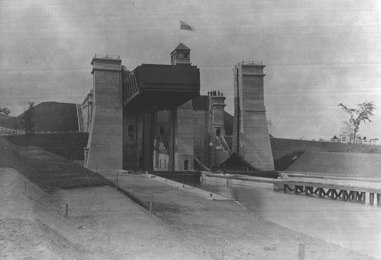 Description: Front Elevation of Peterborough Lift Lock